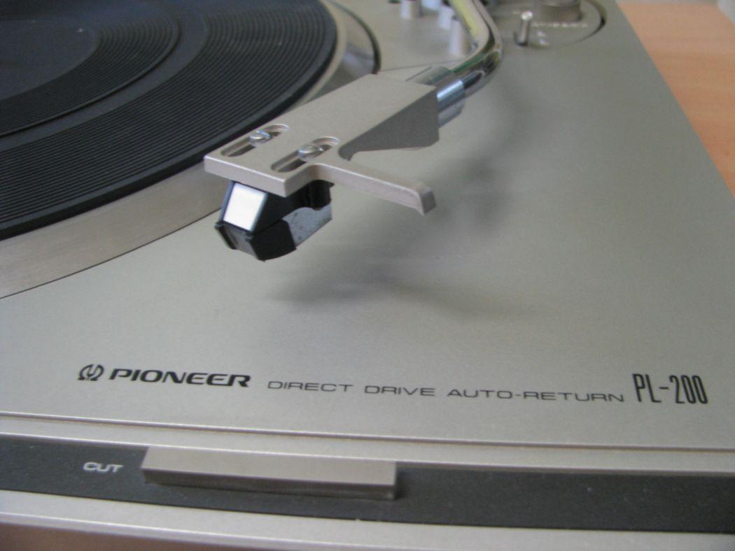Pioneer PL-200_1