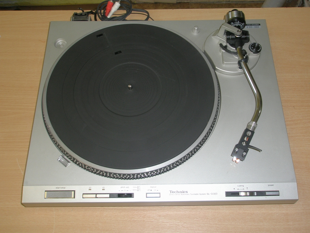 Technics SL-D303