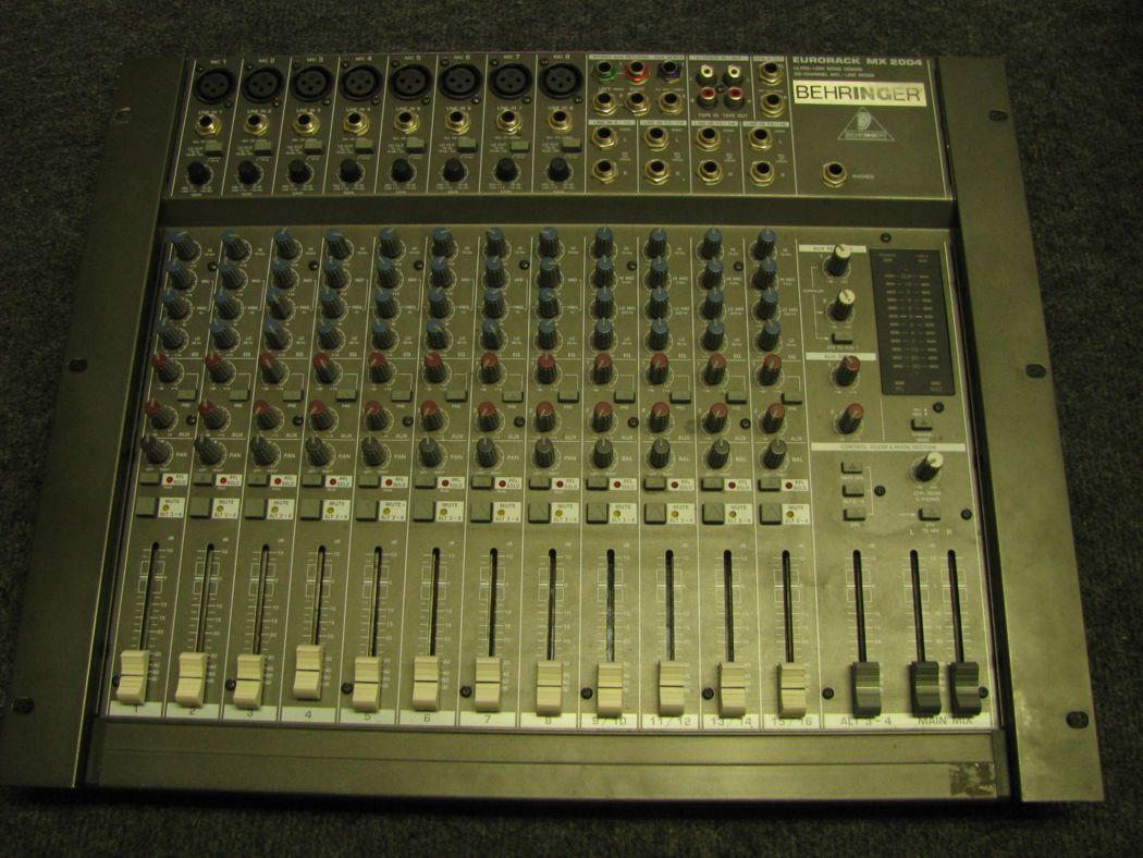 BEHRINGER EURORACK MX 2004_1