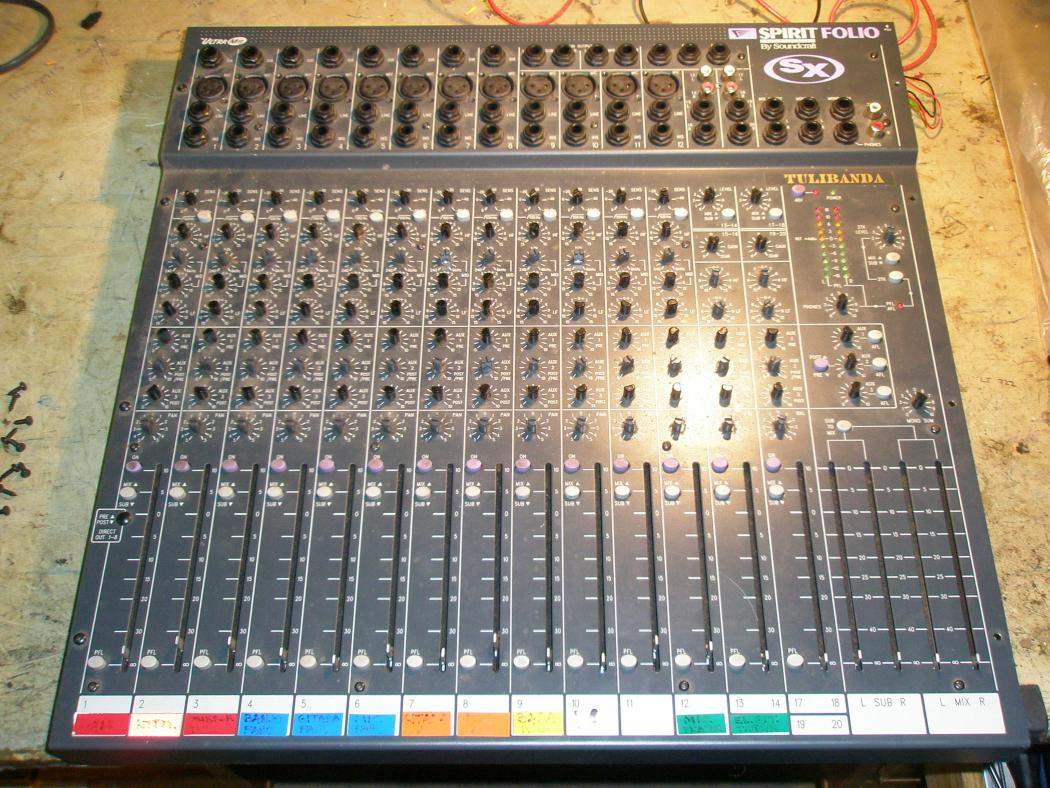SOUNDCRAFT SPIRIT FOLIO_1