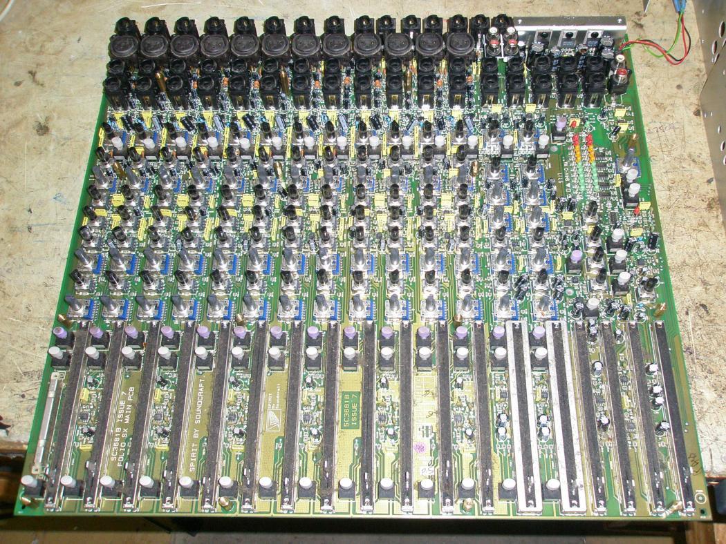 Pro a DJ technika - Soundcraft