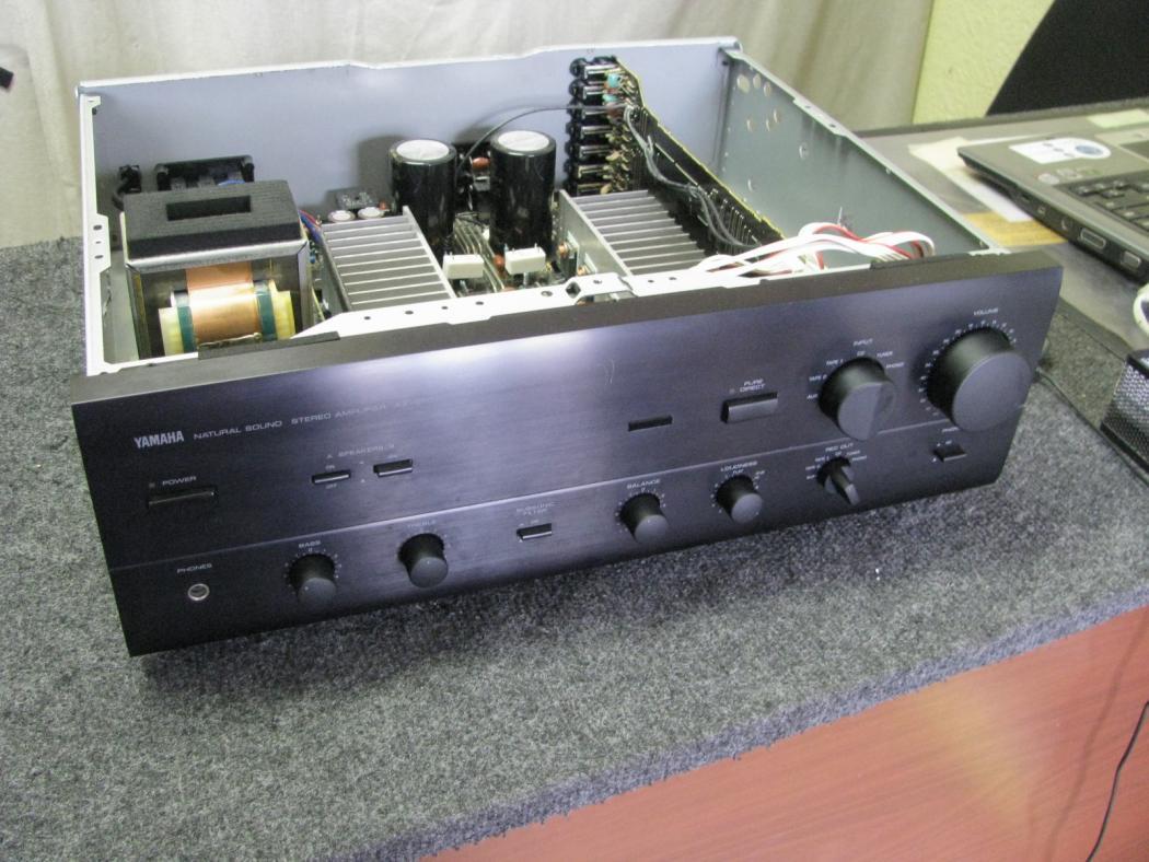 Yamaha AX-570_2