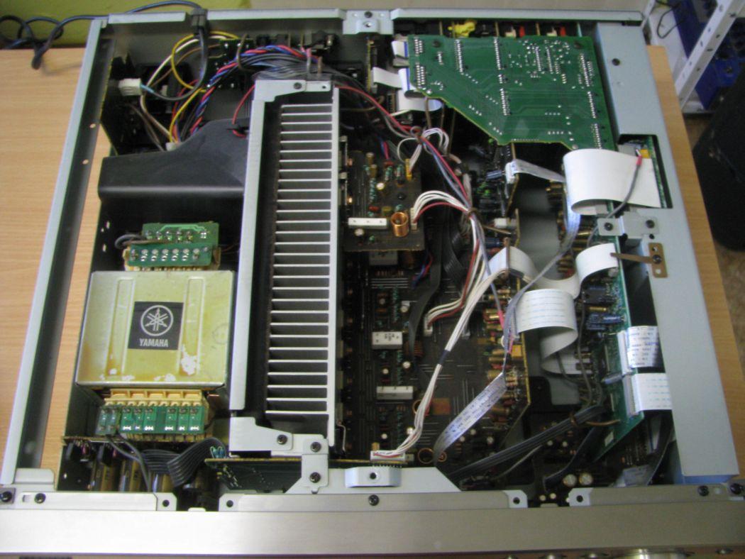 Yamaha RX-V 1200 RDS_1